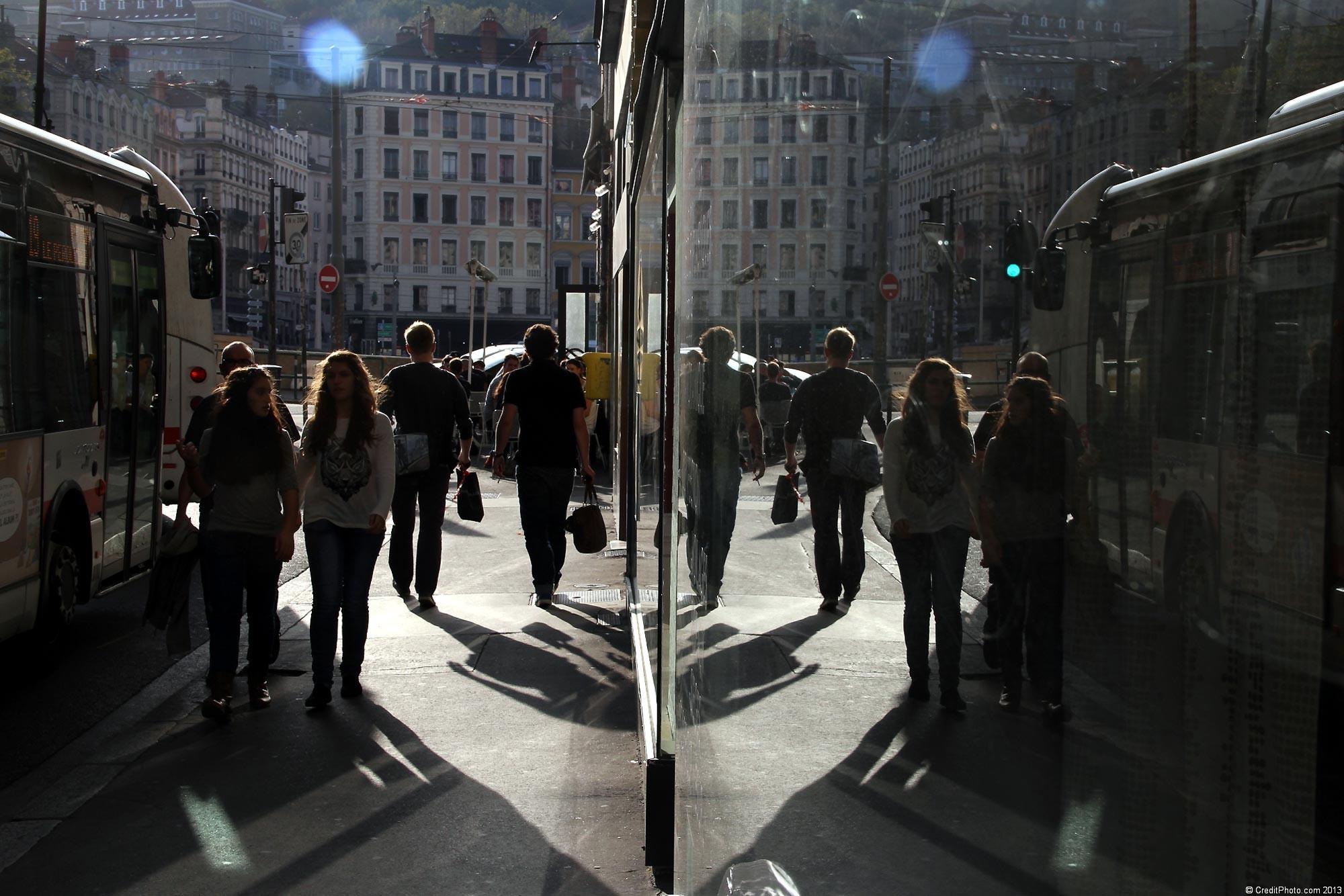 Sym trie et reflet effet de miroir essais de styles for Miroir reflet