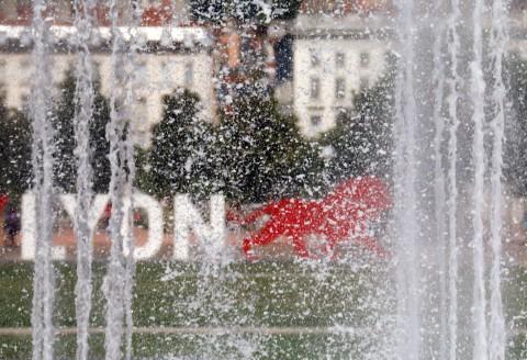 ONLYLyon, la marque de l'Office du Tourisme Lyonnais fait son show. Après les berges de Lyon 7ème, la place Antonin Poncet de Lyon 2ème. CréditPhoto.com est ambassadeur OnlyLyon. Actualités OnlyLyon ** [showads ad=665×90] OnlyLyon se pose Place Antonin Poncet, à Lyon 2