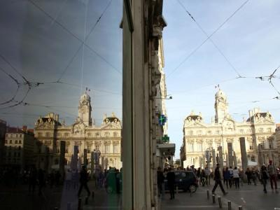 Symétrie de Hôtel de Ville