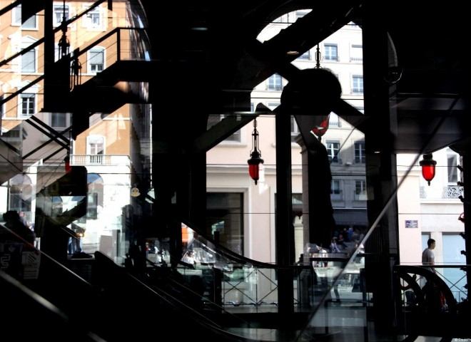 Place Louis Pradel, ombres & lumières