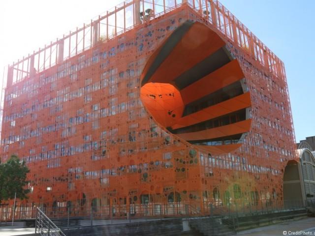 Le cube Orange Lyon Confluence, siège du Groupe Cardinal