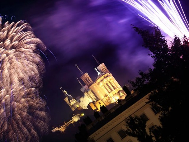 Feu d'artifice Lyon 2014 : Fourvière déclare sa flamme